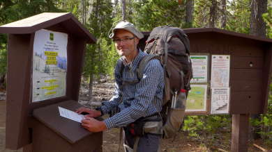 Permit Station am Trailhead der Three Sisters Wilderness